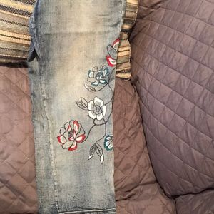 Macy's Style & Co  denim capris with embroidery